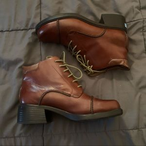 Earth Bryce Leather Chunky Heel Ankle Boots